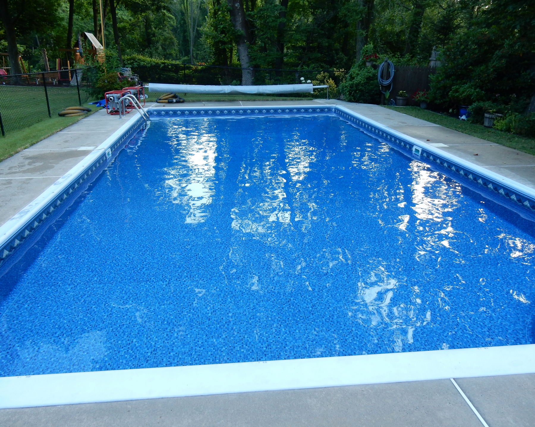 Premier mountain top blue mosaic 20 mil apco pools for Blue pond liner